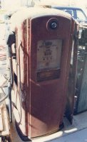 Bennett Gas Pump - Before